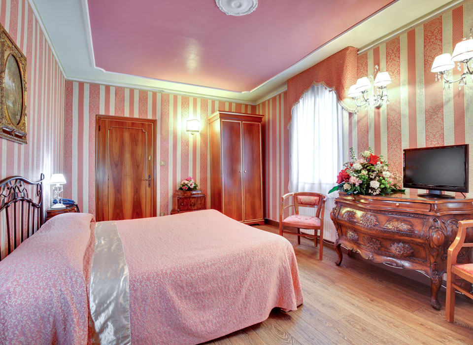 room-rosa